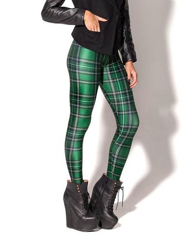 women-green-plaid-leggings